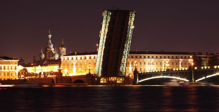 Современный вид Троицкого моста