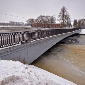 Адмиралтейский мост