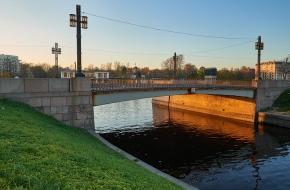 Молодежный мост через Карповку