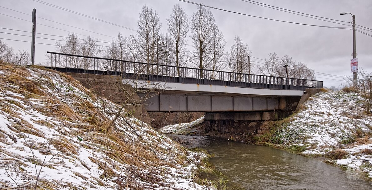 Мост по Авиационной улице в Горелово