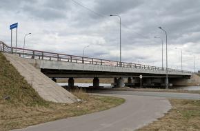 1-й по Софийской ул. через Кузьминку