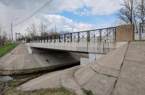 Мост на Кузьминском шоссе через Кузьминку