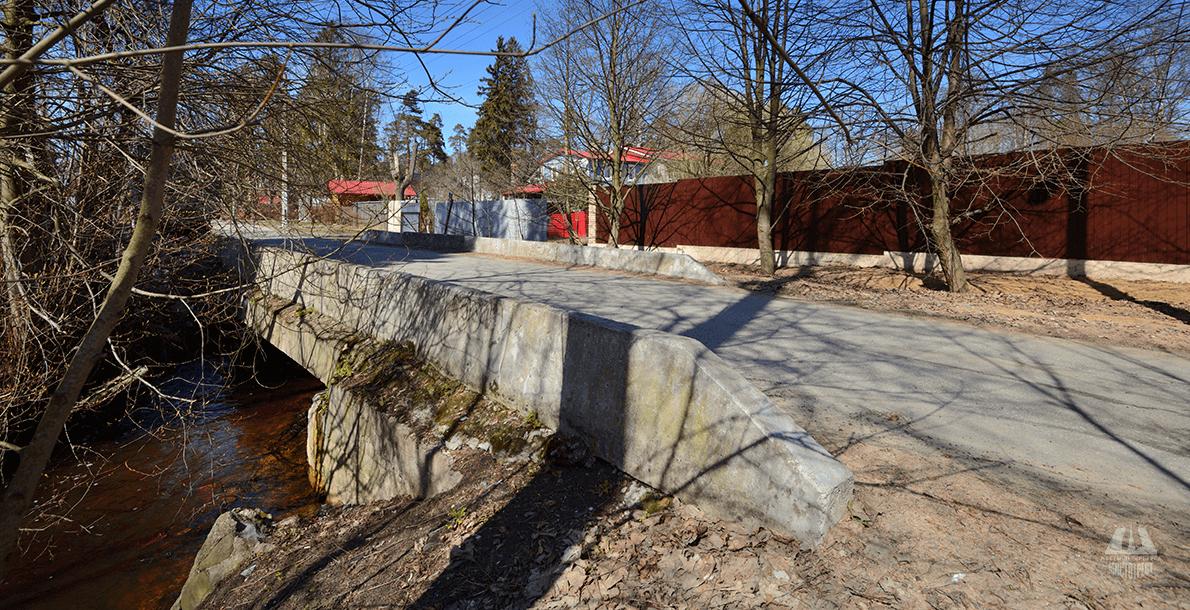 Мост на ул. Холмистой