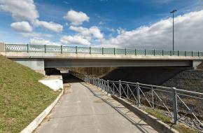 Мост через р. Кузьминку через Кузьминку