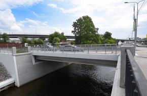 Серный мост через Малую Неву