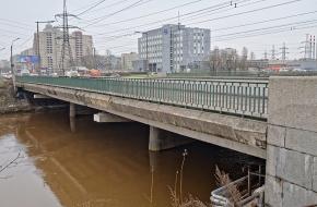 Индустриальный мост   через Охту
